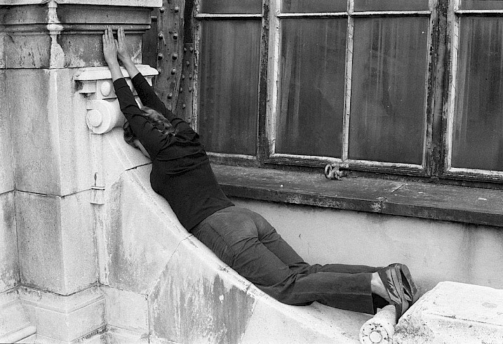 Valie Export, Körperkonfiguration, 1982, détail, photo : Hermann Hendrich.